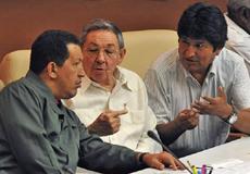 Chávez, Castro e Morales, durante Cúpula da Alba (AFP)