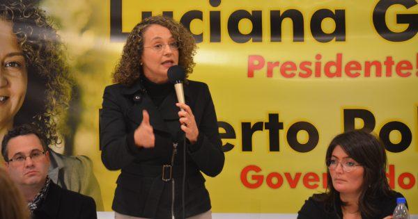 """""""Se o povo quiser, podemos ir para o segundo turno"""", diz Luciana Genro em plenária de mobilização no RS"""