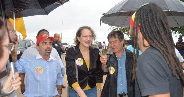 """Luciana Genro diz que ocupações de latifúndios devem continuar """"independente de quem governe"""""""