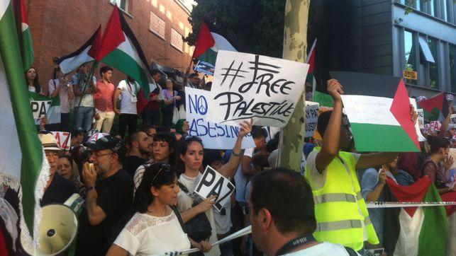 Manifestantes-liberacion-Palestina-Israel-Madrid_EDIIMA20140714_0771_13