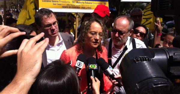 """""""Votar no 50 é fortalecer as bandeiras que defendemos na eleição"""" afirma Luciana Genro em feira ecológica em Porto Alegre"""
