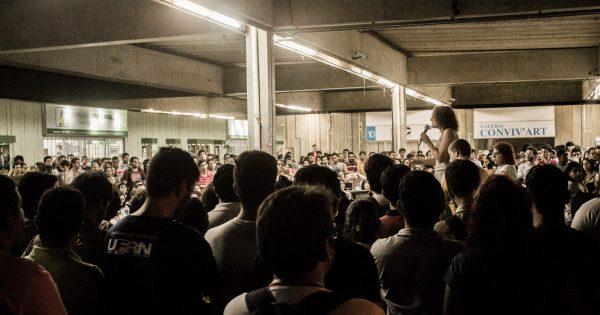Luciana Genro empolga jovens em atividade na UFRN em Natal, RN