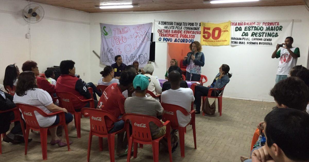 Luciana Genro na sede da Associação dos Moradores da Vila Restinga