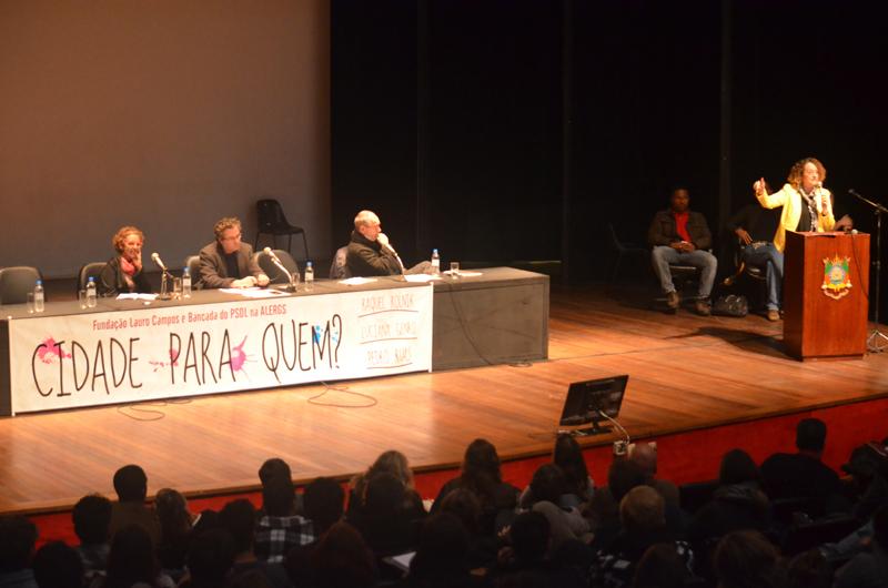 Luciana Genro no seminário Cidade Para Quem