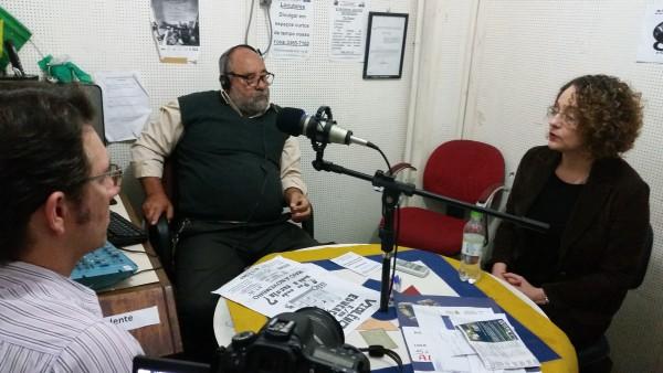 Luciana Genro e vereador Prof. Alex Fraga participaram de programa na rádio comunitária da Amorb