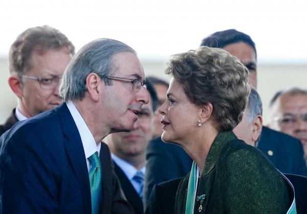 """Dilma e o PT alimentaram Cunha e deram poder ao PMDB"", diz Luciana Genro"