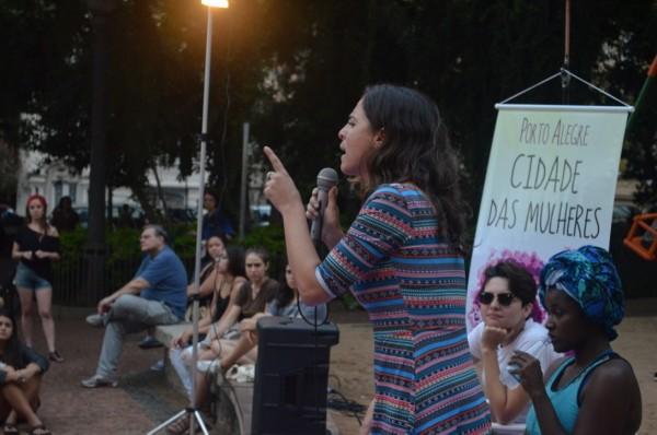 Fernanda Melchionna cobrou mais vagas em creches públicas, especialmente nas periferias