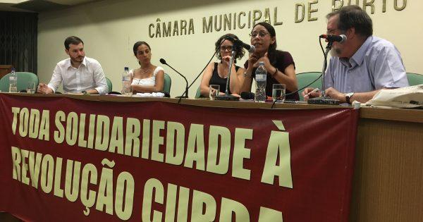 """""""As mulheres são as que fazem a revolução"""", diz militante curda em debate da Fundação Lauro Campos"""