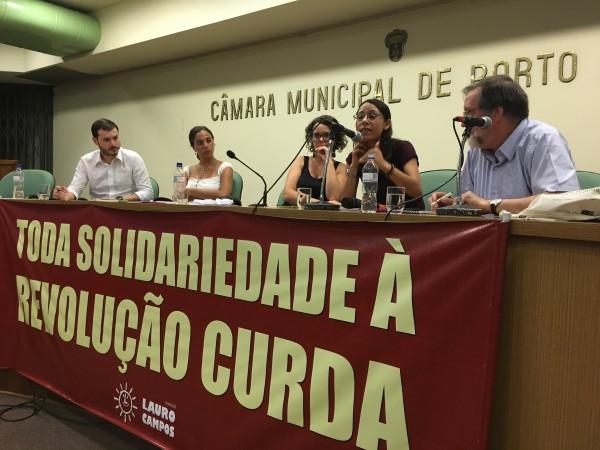 Militante curda Melike Yasar participou de debate ao lado de Fernanda Melchionna e Juliano Medeiros