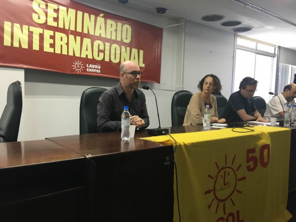 Vladimir Safatle, Roberto Robaina e Márcio Cabreira participaram de debate mediado por Luciana Genro