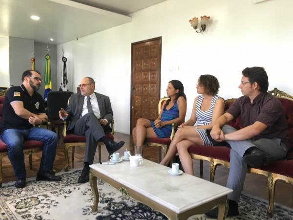 Lideranças do PSOL se reuniram com o chefe da Polícia Civil na manhã desta sexta-feira (19/02)