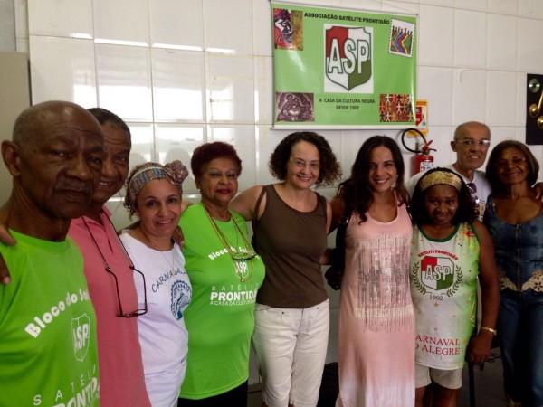 Luciana Genro e Fernanda Melchionna conheceram a sede e os projetos da Associação Satélite Prontidão