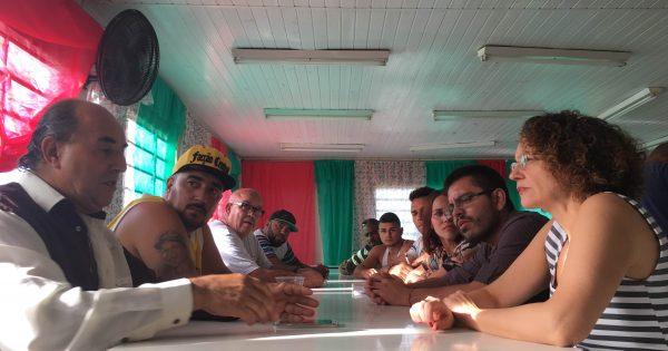 Lideranças do Rubem Berta expõem problemas do bairro a Luciana Genro