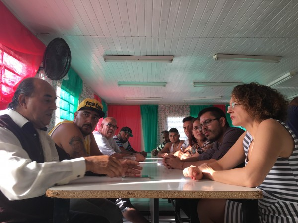 Luciana Genro se reuniu com direção da Associação de Moradores do Rubem Berta