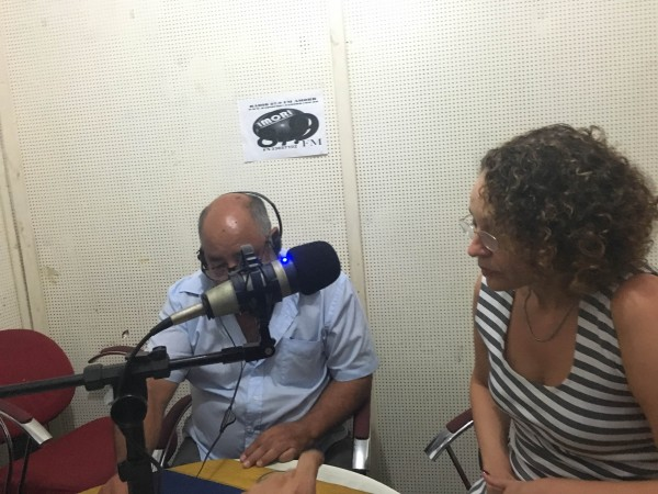 Luciana concedeu entrevista à rádio comunitária da Amorb
