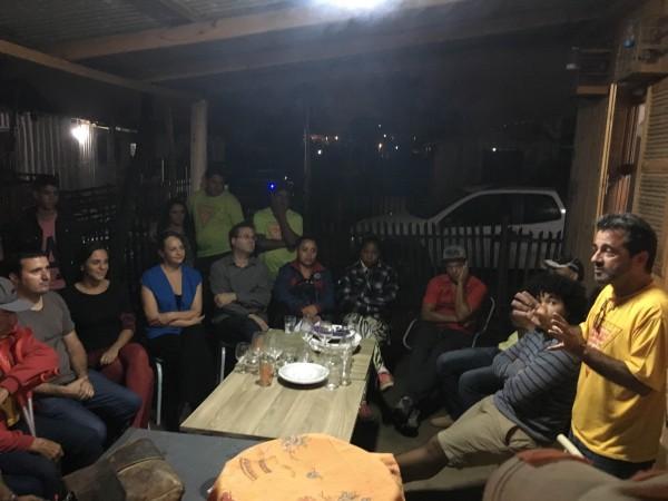 Luciana Genro, Roberto Robaina e Fernanda Melchionna participaram de reunião na Ocupação Império, na Zona Norte