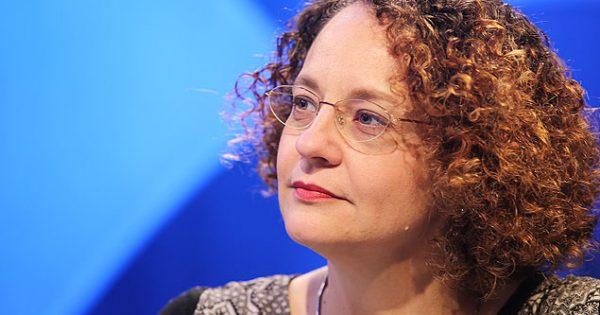 Governo do PT tenta se fortalecer apelando para 'tese do medo', afirma Luciana Genro