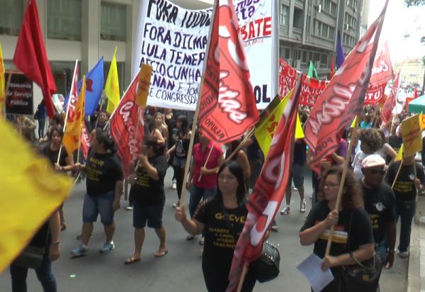 Sindicatos, entidades estudantis, coletivos de juventude e organizações políticas foram às ruas por eleições gerais nesta sexta-feira (01/04)