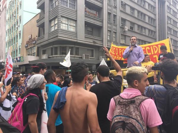Roberto Robaina disse que jovens precisam se mobilizar para decidir os rumos do país | Foto: Samir Oliveira