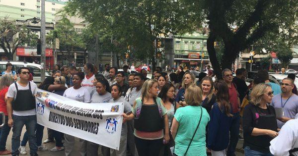 Servidores do HPS protestam contra insegurança na Saúde