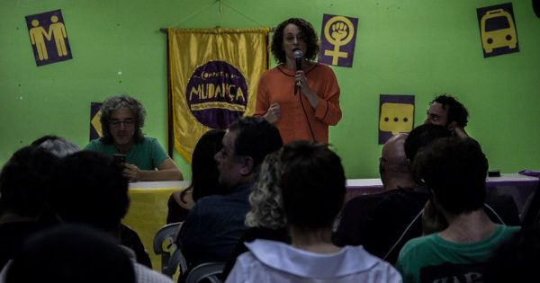 Javier Toret, Luciana Genro e Marcelo Branco debatem democracia real