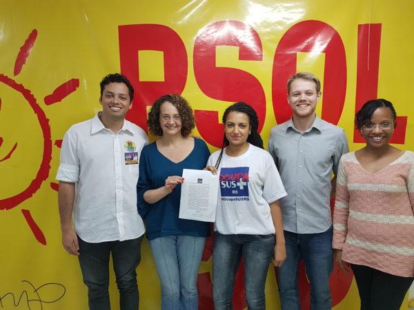 Carta aberta foi recebida por Luciana em encontro no comitê do PSOL | Foto: Alvaro Andrade/PSOL