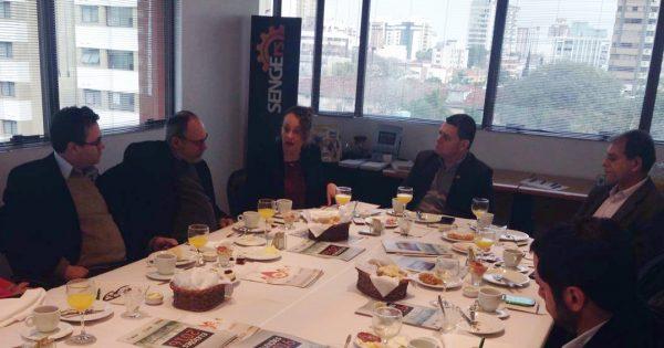 Luciana Genro expõe propostas para o Sindicato dos Engenheiros