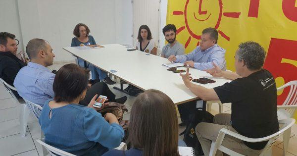 Propostas de uso da tecnologia na gestão são apresentadas por Luciana ao fórum de entidades de TI
