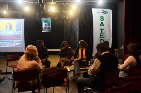 Luciana respondeu perguntas e detalhou propostas | Fotos: Alvaro Andrade/PSOL