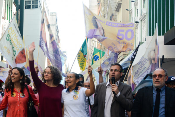 Heloisa Helena e Luciana Genro caminharam pelo Centro de Porto Alegre | Foto: Fernanda Piccolo/PSOL