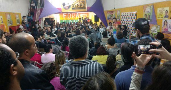 Centenas de pessoas acompanham bate-papo com Jean Wyllys, Luciana Genro e Luciano Victorino em Porto Alegre