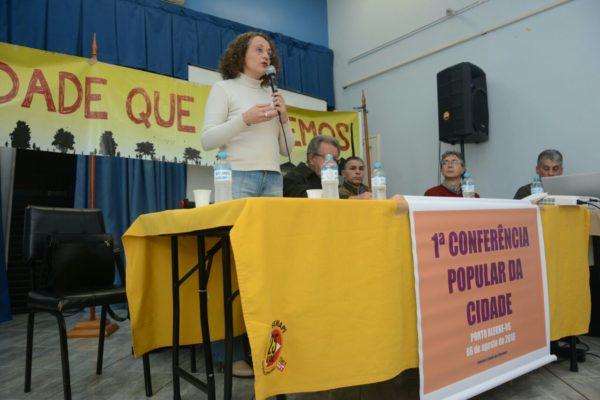 Luciana defendeu um aprofundamento da democracia em Porto Alegre | Foto: Fernanda Piccolo/PSOL