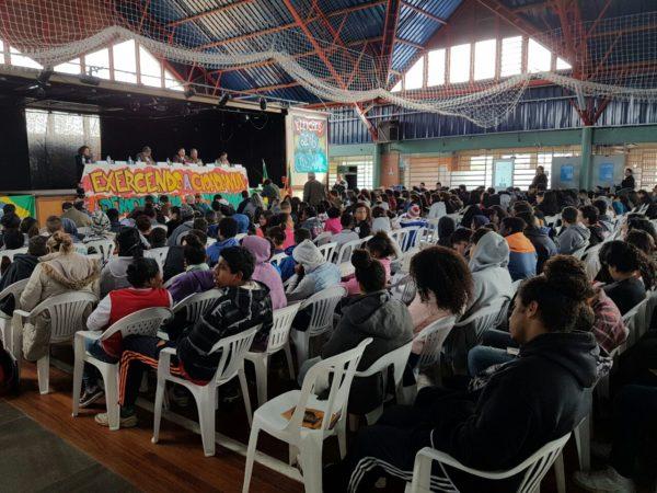 Centenas de estudantes ouviram atentamente propostas de Luciana | Foto: Alvaro Andrade/PSOL