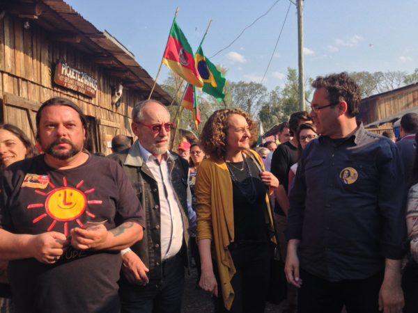 Luciana teve ótima recepção no Acampamento Farroupilha | Foto: Alvaro Andrade/PSOL