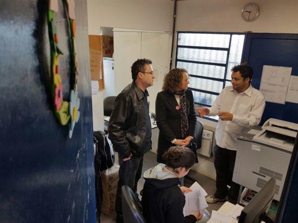 Luciana Genro e Roberto Robaina visitaram a UBS da Pitinga junto com o Dr. Marcelo Rocha, médico que já trabalhou no local | Foto: Alvaro Andrade/PSOL