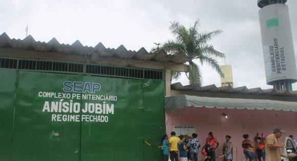 O massacre em Manaus: Estado de direito, privatizações e política de drogas