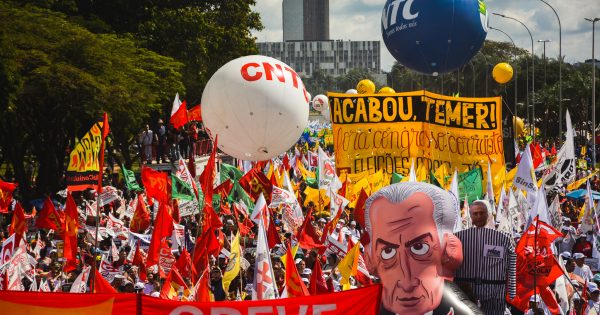 Barrar as reformas com a organização do povo nas ruas