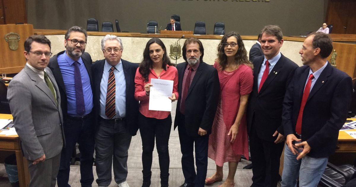 Vereadores protocolam ação contra decreto do Marchezan