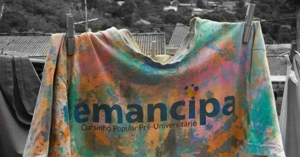 Viva a educação popular: Emancipa aprova 26 alunos da UFRGS