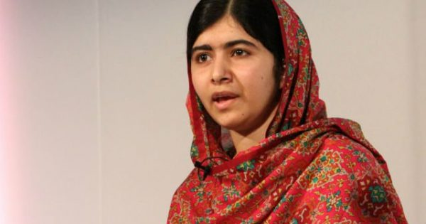 Abandonei a ideia de ser premiê para atuar pela educação de meninas, diz Malala
