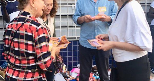 Luciana Genro visita professores e universidade em Passo Fundo