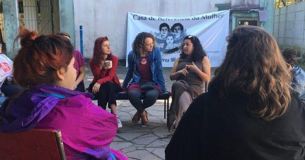 Luciana Genro visita nova sede da ocupação Mulheres Mirabal