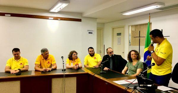 Luciana Genro parabeniza nova diretoria do SIMPE-RS