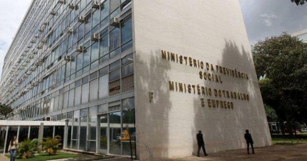 Bolsonaro e os ministérios