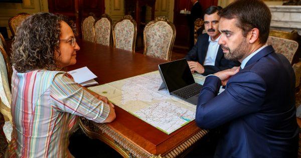 Luciana Genro fala sobre projetos para o RS em encontro com governador Eduardo Leite