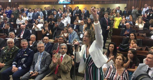 Luciana Genro empossada deputada estadual do RS