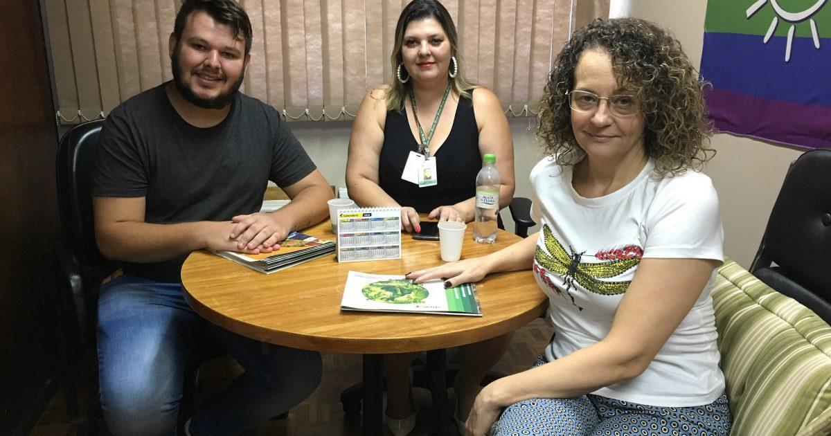Luciana Genro e representantes da UERGS