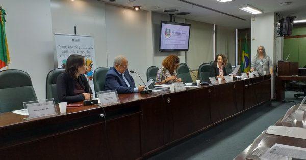 Comissão de Educação vai solicitar emendas para reforma de Casa do Estudante em Porto Alegre