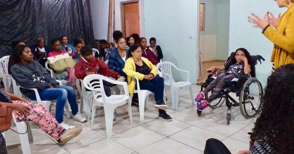 Casa Emancipa Restinga promove debate sobre direitos das mulheres em situação de violência