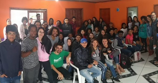 Aula inaugural do Emancipa Restinga promove papo com estudantes da UFRGS e do IF Restinga